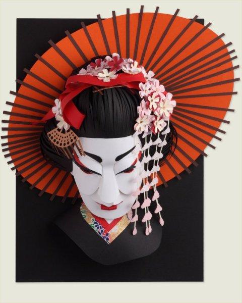 Paper sculptures Geisha